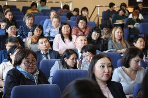 Бонус за отличную учебу: в ТувГУ наградили студентов, получивших именную стипендию ректора